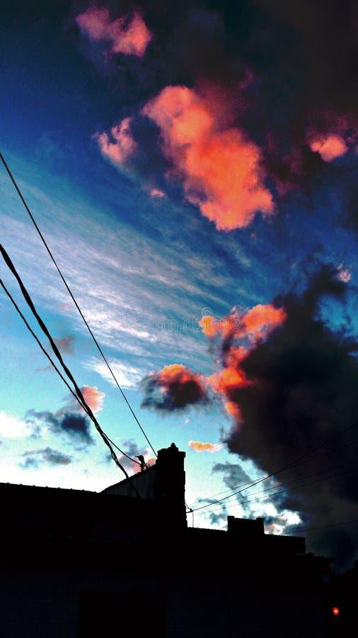 Der versteckte Sonnenuntergang lizenzfreie stockfotos