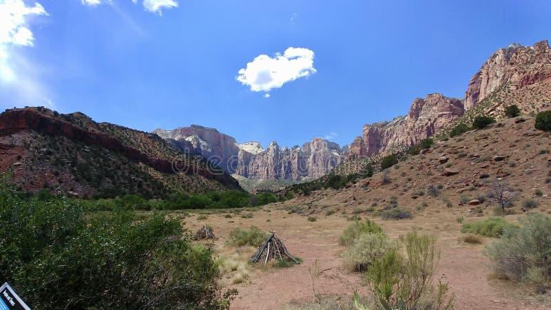 Der Westtempel bei Zion National Park stockfotos