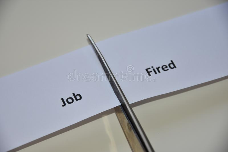 Der Widerspruch zwischen zwei Entscheidungen: Job oder abgefeuert stockfoto