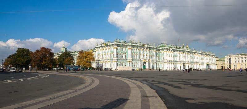 Der Winter-Palast in St Petersburg, Russland stockfoto