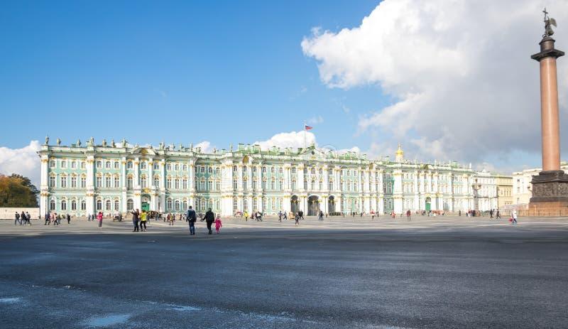 Der Winter-Palast in St Petersburg, Russland lizenzfreie stockfotografie