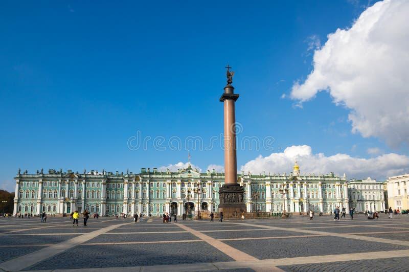 Der Winter-Palast in St Petersburg, Russland lizenzfreies stockfoto