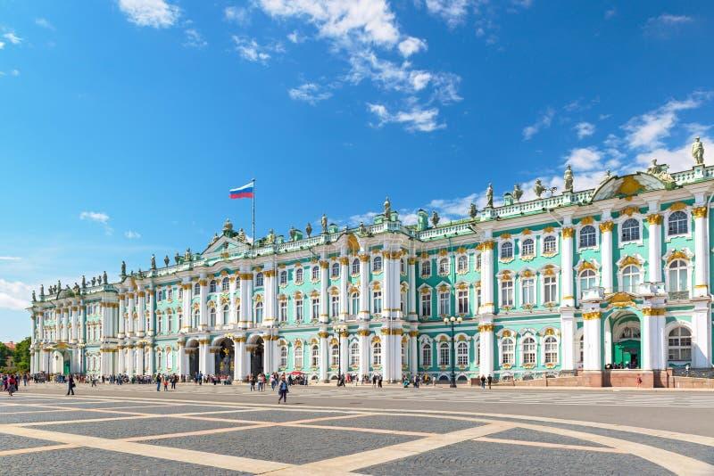 Der Winter-Palast in St Petersburg, Russland stockbild