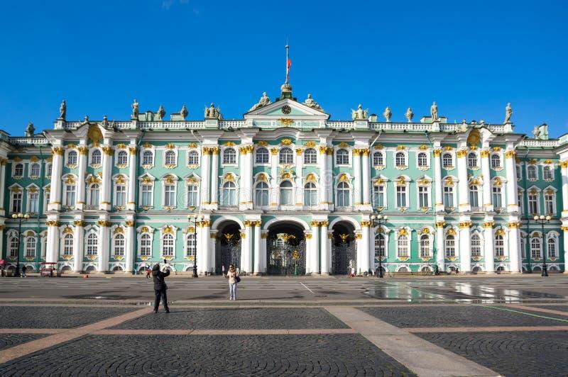 Der Winter-Palast in St Petersburg, Russland lizenzfreie stockbilder
