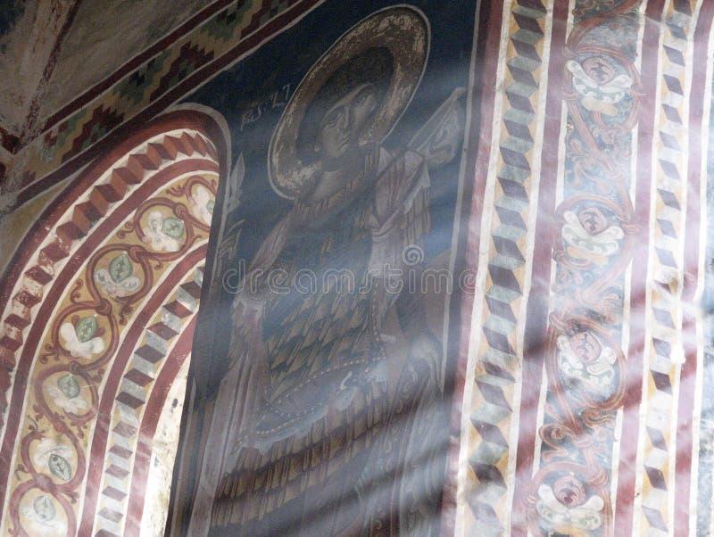 Der wunderbare gemalte Innenraum des sonnigen Gelati-Klosters in Georgia stockfotografie