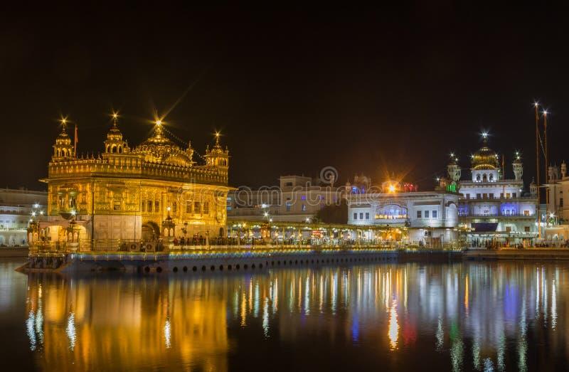 Der wunderbare goldene Tempel von Amritsar, Indien stockbild