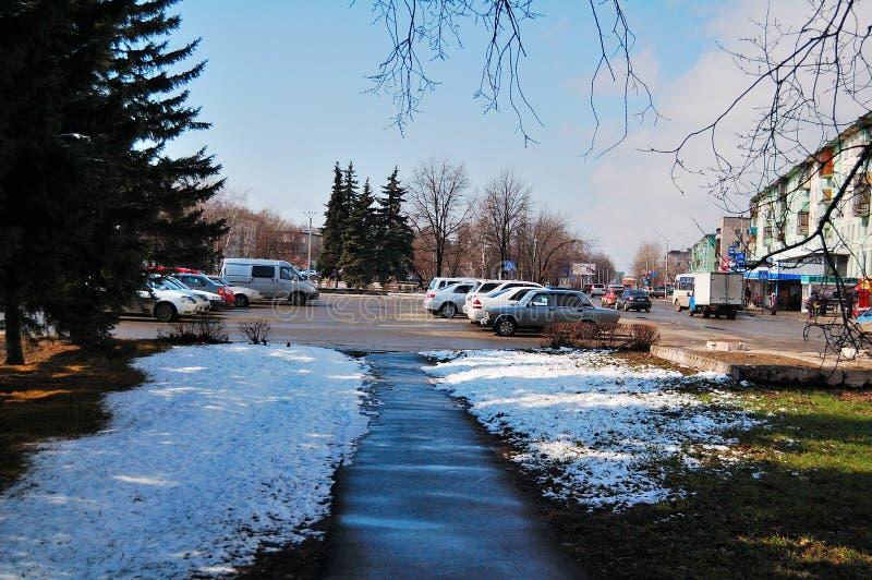 Der zentrale Platz in der Stadt von Biysk stockfotos