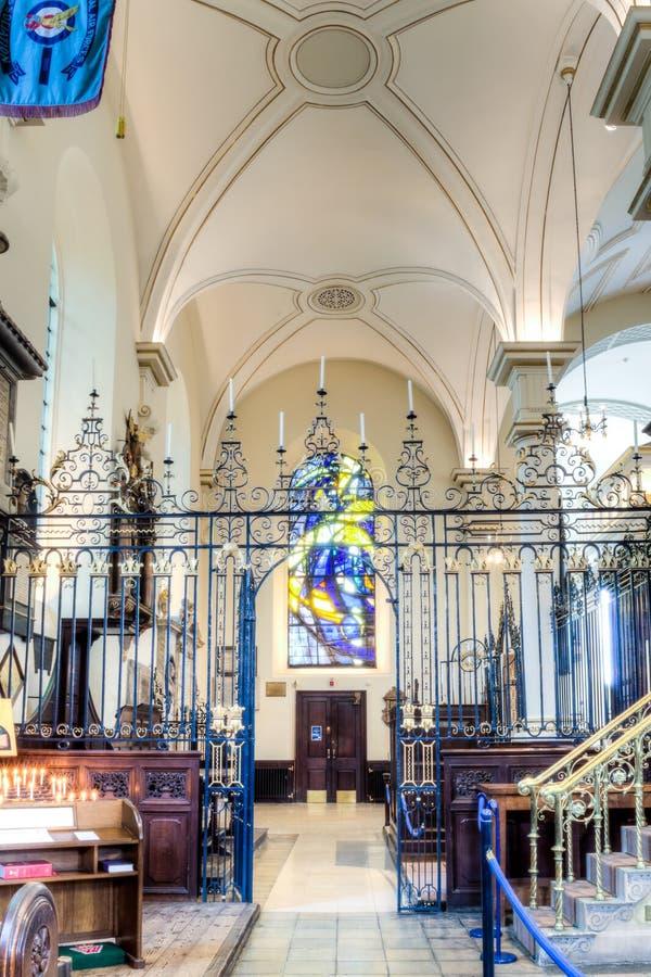 Derby Cathedral Rood Screen e teto HDR imagem de stock