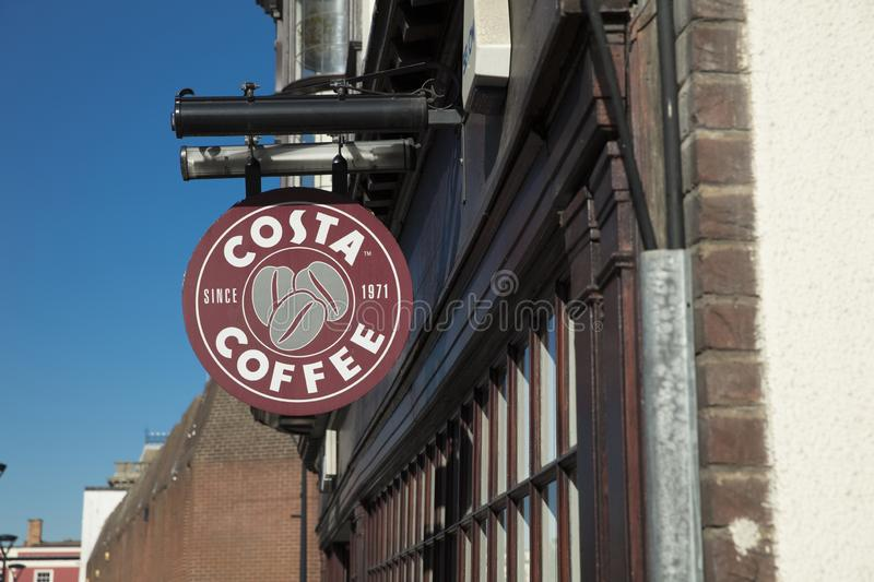 Derby, Derbyshire, Reino Unido: Outubro de 2018: Costa Coffee Sign fotografia de stock