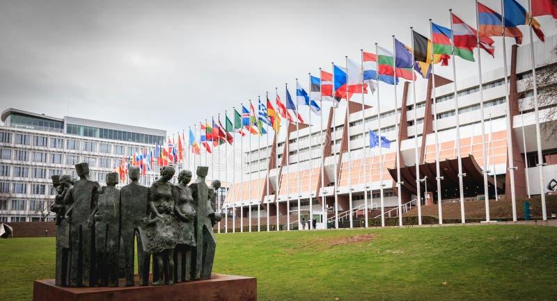 Derechos humanos de la estatua del scuplteur Gonzalez BELTRAN en 2005 en el frente del Consejo de Europa imágenes de archivo libres de regalías