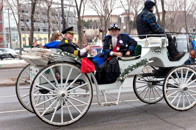Derechos mayores en el carnaval del invierno fotos de archivo