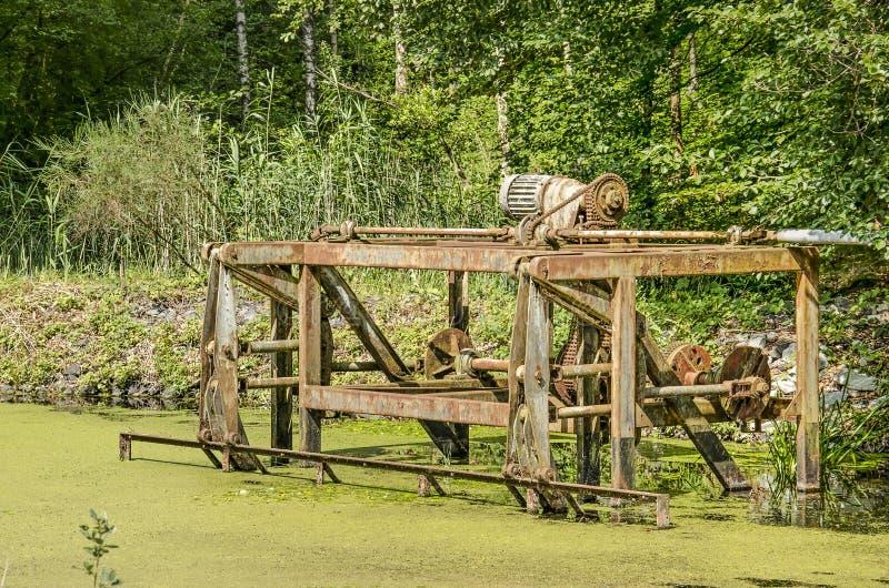 Derelict-Maschine im Versuchswald stockbild