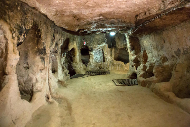 Derinkuyu underjordisk stad, Cappadocia arkivfoton