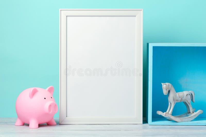 Derisione della pagina su sulla tavola di legno fotografia stock