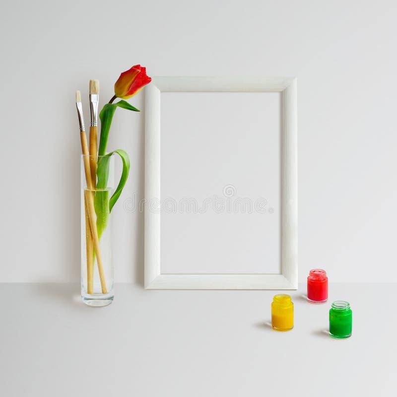 Derisione della struttura su con il tulipano immagine stock