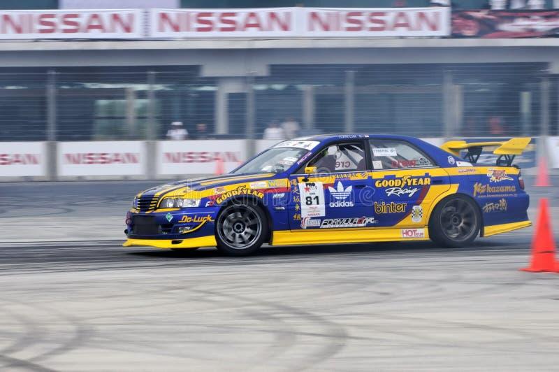 Download Derivação Durante A Tração Singapore 2009 Da Fórmula Imagem de Stock Editorial - Imagem de velocidade, sideway: 10054299