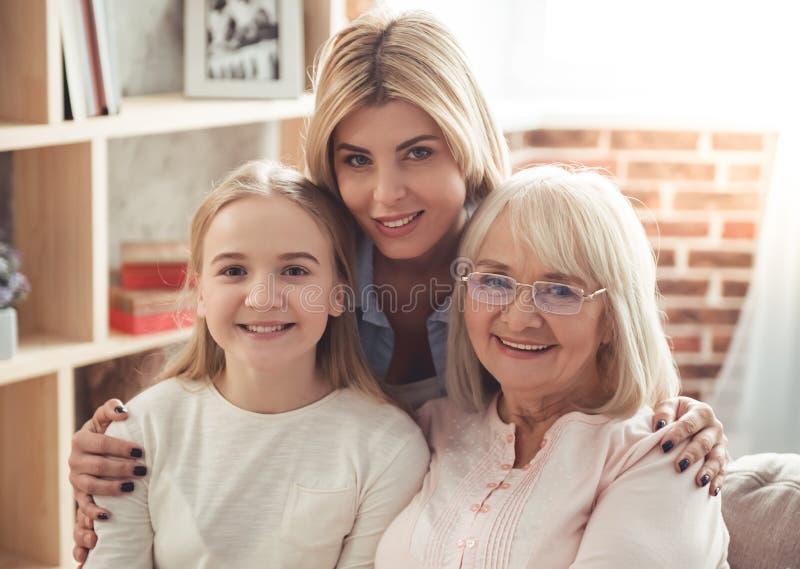 Derivato, mamma e nonna fotografie stock