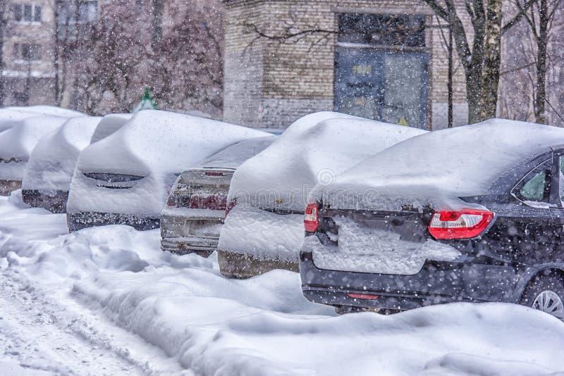 Derive lungo una strada nell'inverno immagini stock libere da diritti