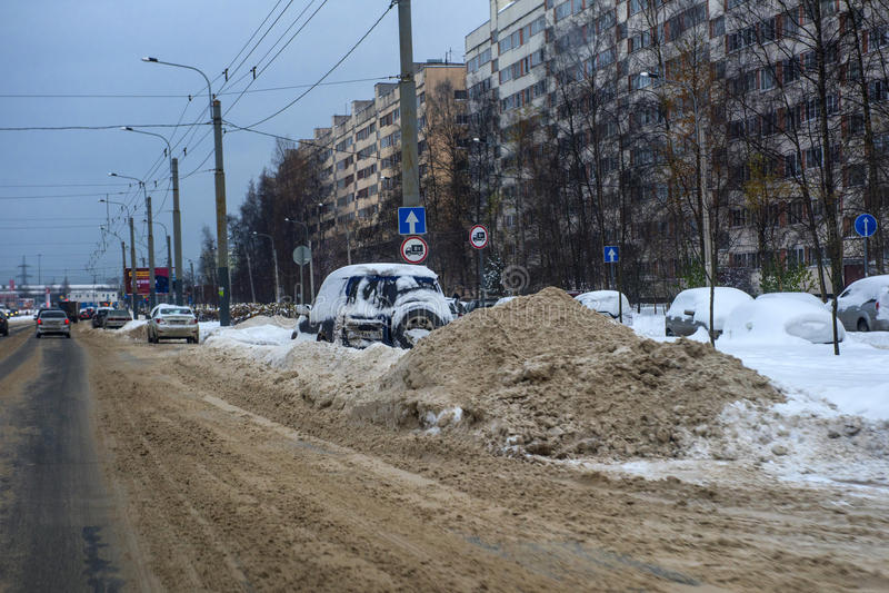 Derive lungo una strada nell'inverno immagine stock libera da diritti