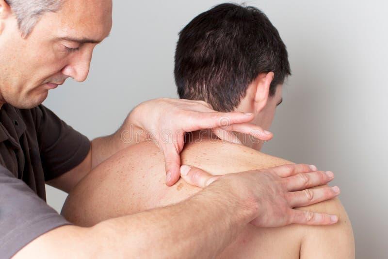 Dermatologii traktowanie przy lekarką fotografia royalty free