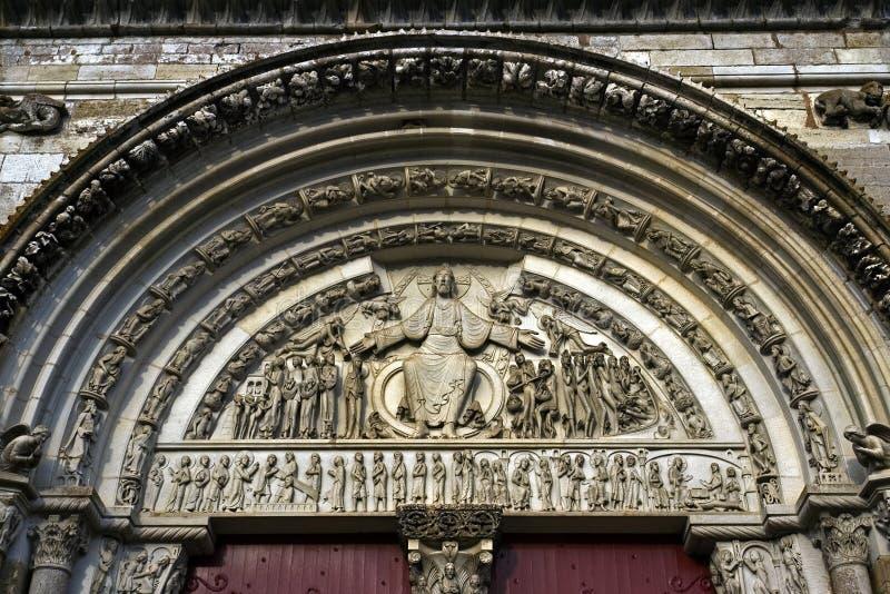 Dernier jugement dans le portail de l'abbaye de la La Madale images stock