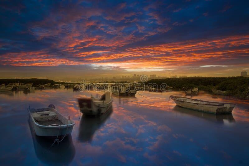 Dernier lever de soleil avec le nuage gentil Taïpeh neuf, photo stock