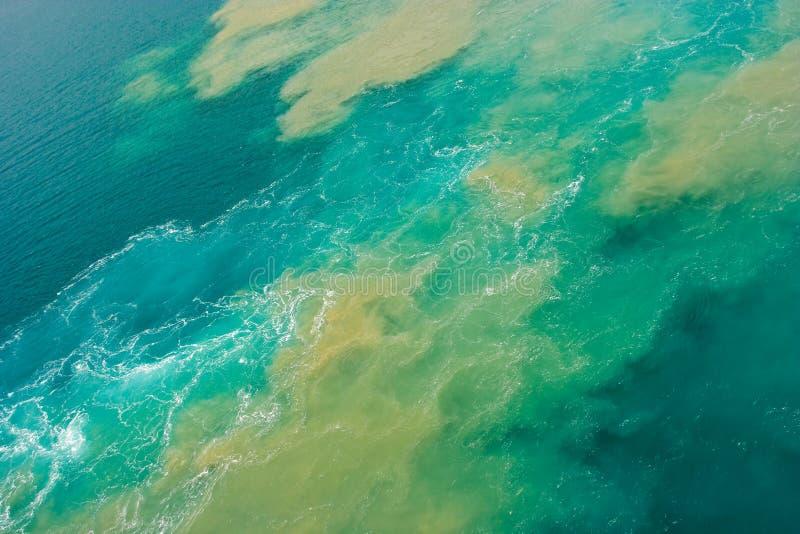Derramamiento de petróleo imagen de archivo libre de regalías