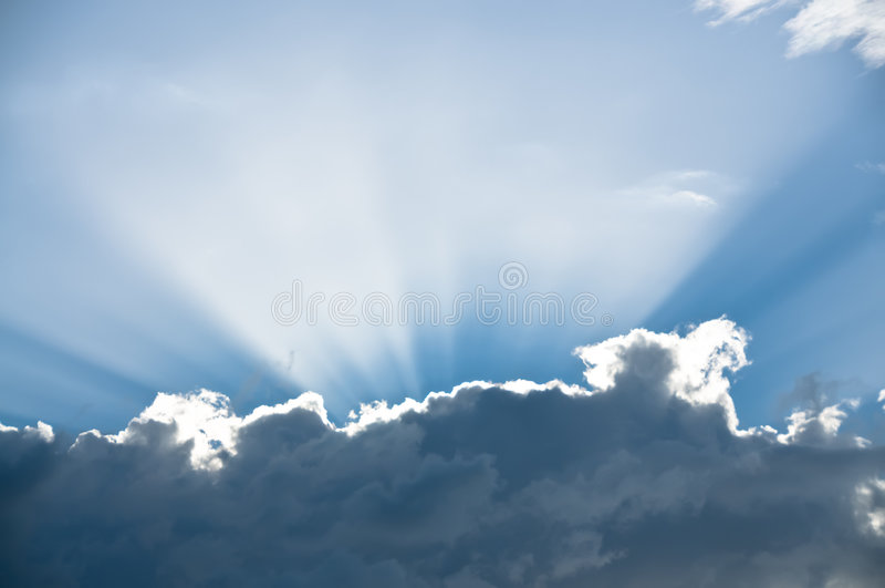 Derrière des nuages photos stock