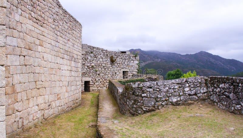 Derrière le château photographie stock libre de droits