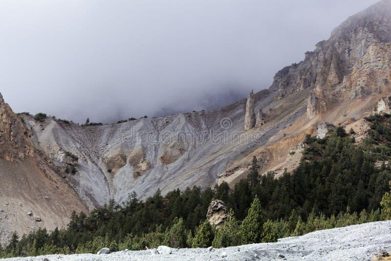 Derrumbamiento en la montaña fotos de archivo libres de regalías