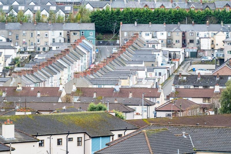 Derry/Northern Ireland - 12 oktober 2019 : De voorkant is een buurt buiten de stadsmuren royalty-vrije stock afbeeldingen
