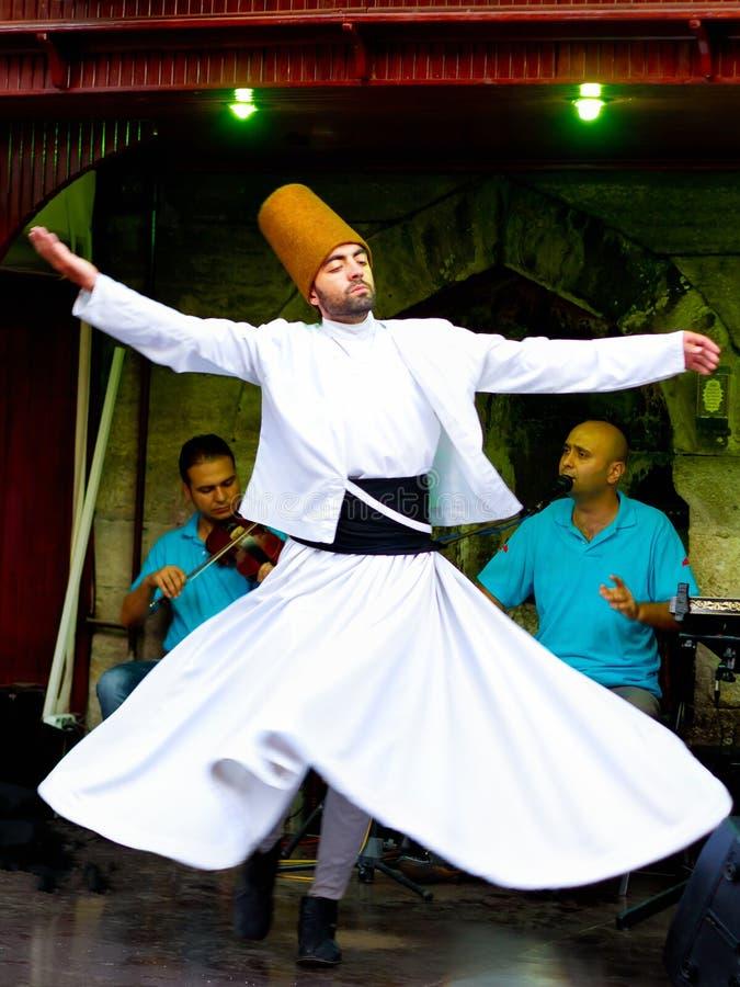 Derviche de tourbillonnement de Sufi photographie stock libre de droits