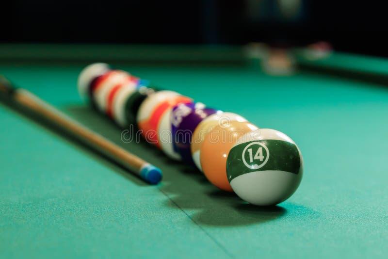Des billards sont alignés sur une table de billard, des billards américains Jeux sportifs, activités de plein air images stock
