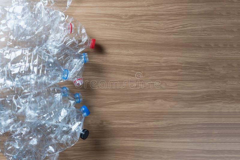 Des bouteilles en plastique peuvent être réutilisées images libres de droits