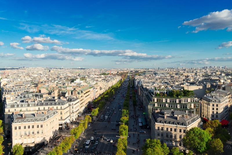 Des Champs-Elysees бульвара, Париж стоковое фото