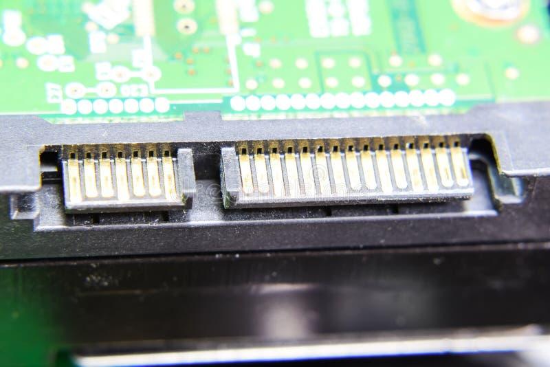 Des Festplattenlaufwerk-Verbindungsstücks Sata elektronisches Brett mit elektrischen Komponenten Elektronik der Computerausrüstun stockfotografie