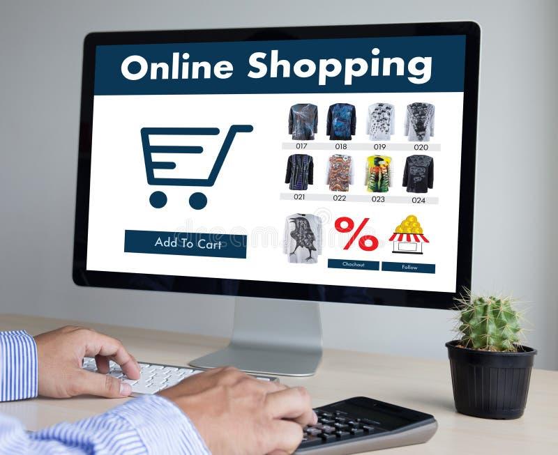 Des Gebrauch Technologie-elektronischen Geschäftsverkehrs Geschäftsleute des Internet-globales Marketi stockbilder