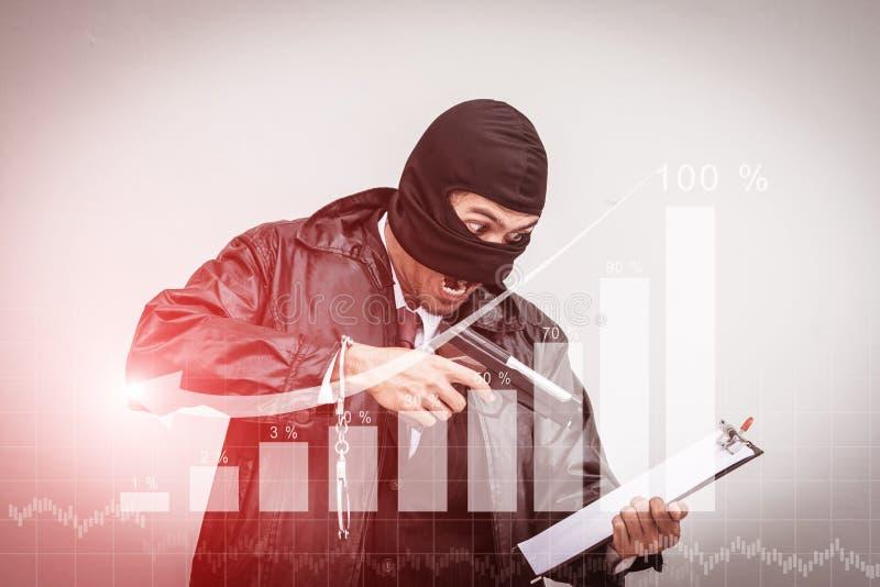 Des hommes d'affaires sont soumis à une contrainte avec le revenu Graphique convenu photographie stock