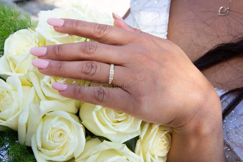 Des mains mariées mariées mariées mariées mariées photo stock
