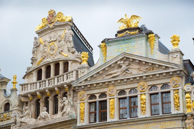 Des palais de corporations sur Grand Place c'est à angle droit central de Bruxelles belgium photo stock