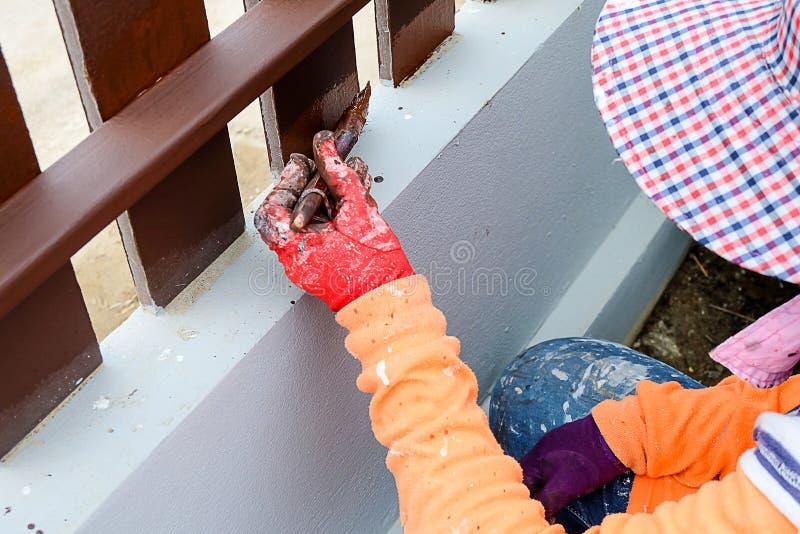 Des peintres est peints en bois photographie stock libre de droits