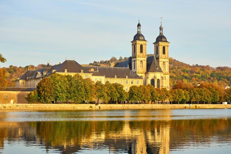 DES Prémontrés de Abbaye del edificio histórico en Pont-à- Mousson, Lorra fotografía de archivo