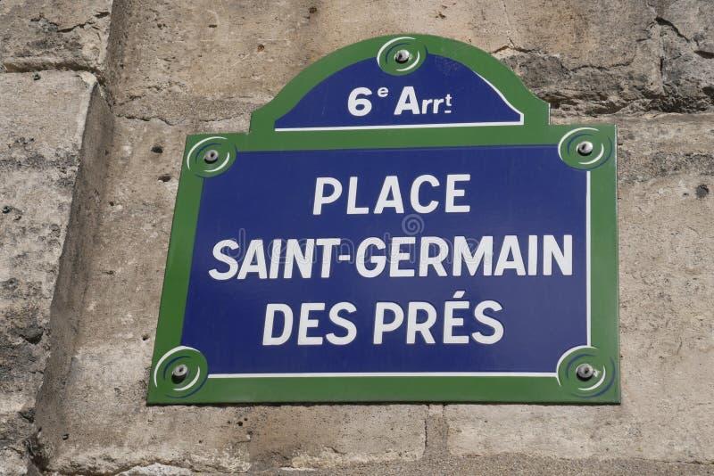 DES Prés de St Germain del lugar de la placa de calle de París imagen de archivo