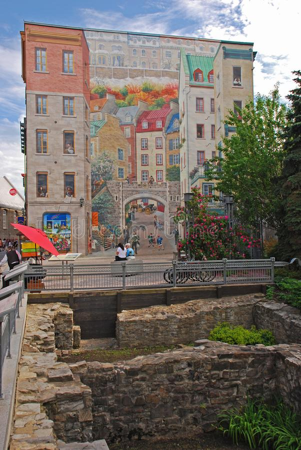 DES Québécois Quebecois de Fresque est la peinture murale de les plus populaires à Québec avec le site d'excavation dans le pre image stock