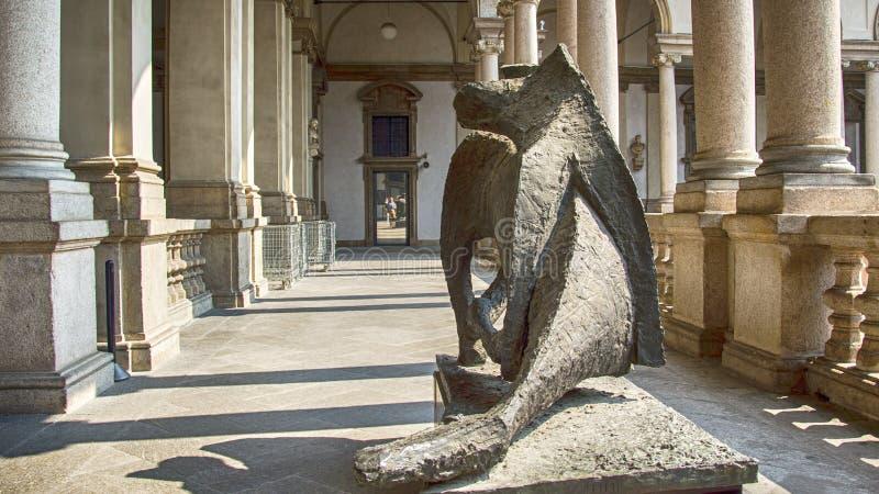 Des sculptures d'art moderne, Dying Dragon in Pinacoteca Brera, alias Art Academy Brera image libre de droits