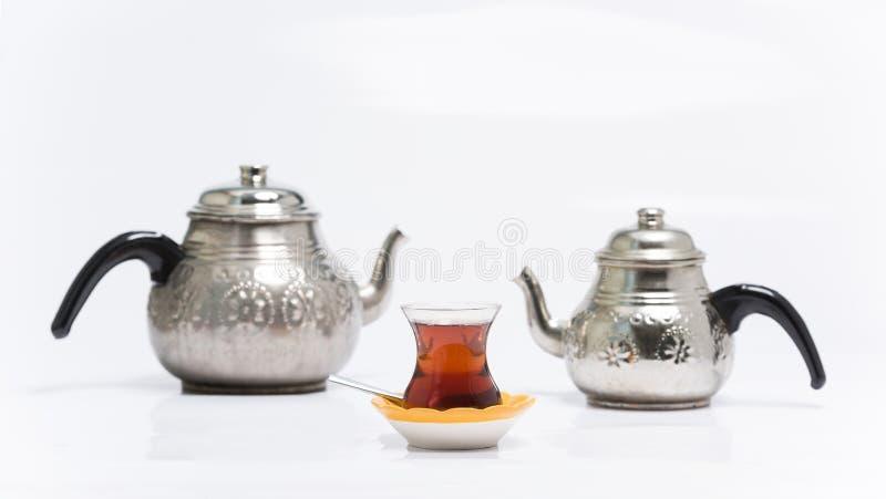 Des Türkischen Tee traditionsgemäß stockfoto