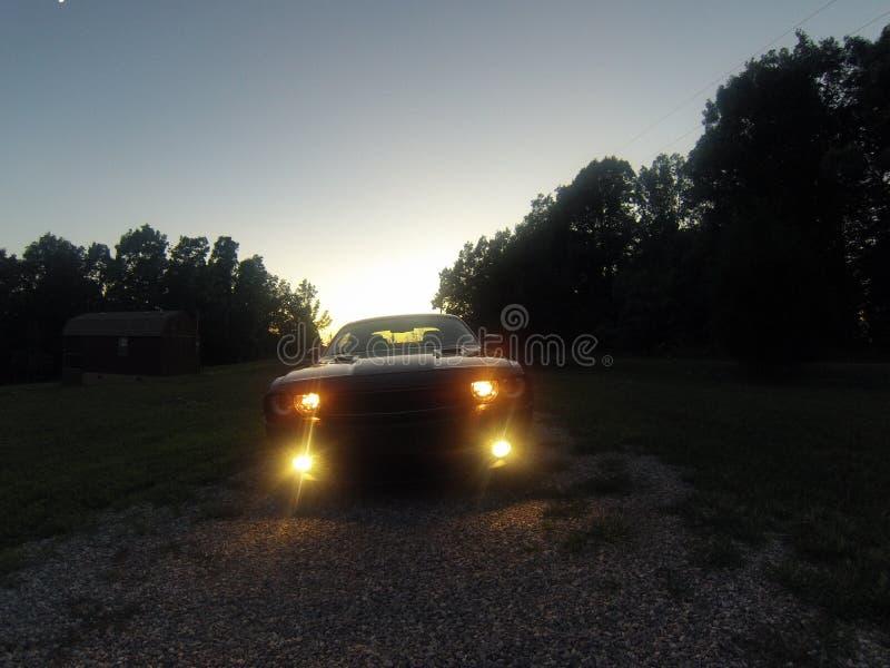Desafiador de la puesta del sol fotos de archivo