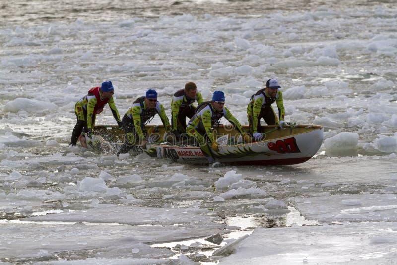 Desafio Bota Bota Montreal da canoa do gelo foto de stock