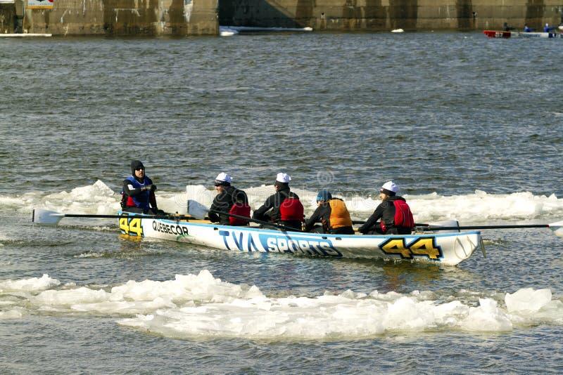 Desafio Bota Bota Montreal da canoa do gelo imagens de stock royalty free