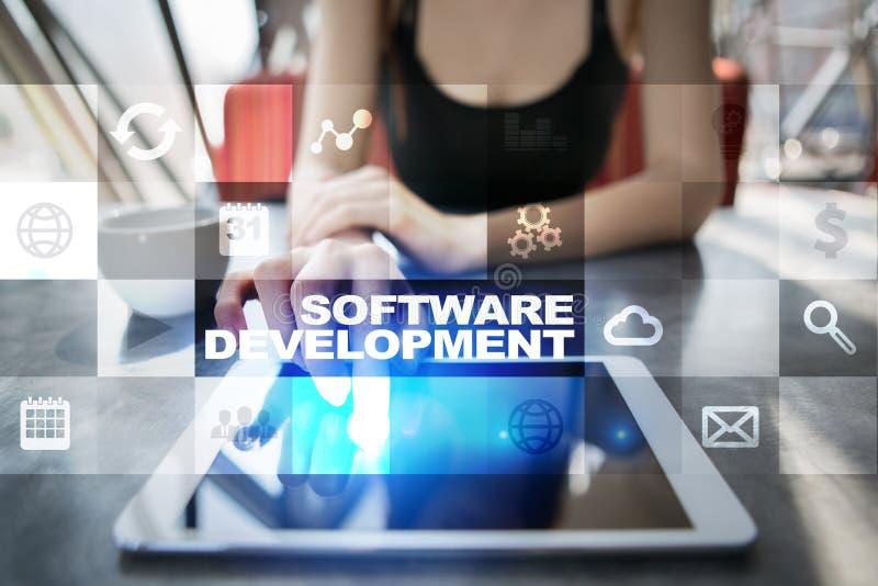 Desarrollo de programas Usos APPS para el negocio programación imagenes de archivo